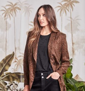 Fetts-Boutique-Wahroonga-6666TX_Collective-Jkt_Forest-6586FN_Lorde-Top_Blk